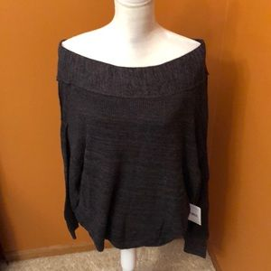 Free People linen sweater.  New.  Size M.